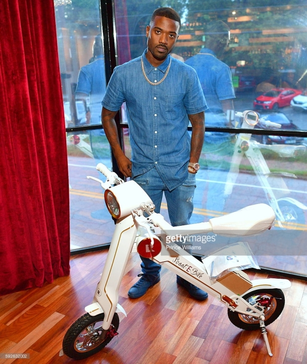 ray-j-attends-an-exclusive-weekend-launch-for-scootebike-at-time-on-picture-id592632002